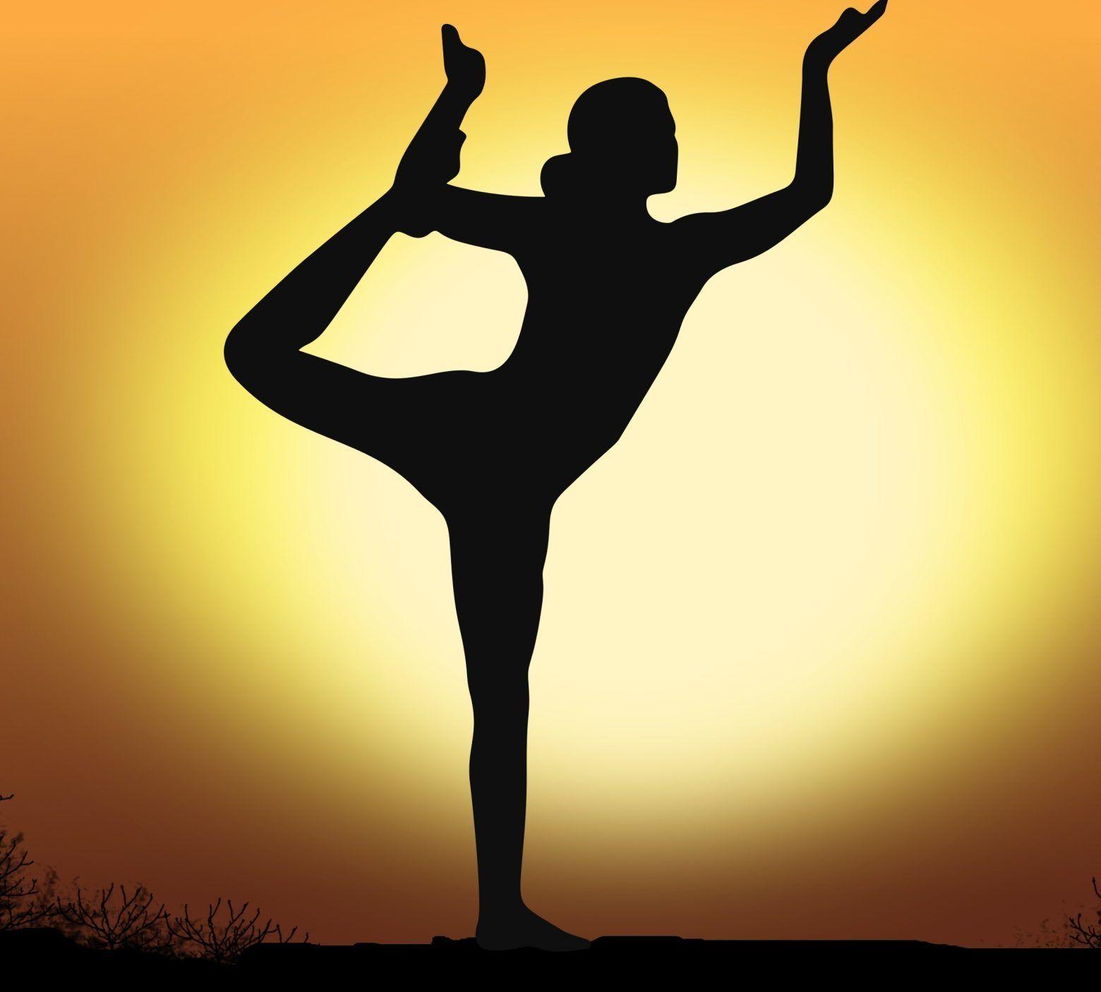 woman-doing-yoga-1542817628tbS